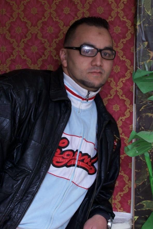 rencontre homme cherche homme algerie)