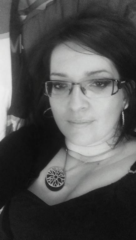Femme cherche homme dans l'Indre (36) : annonces rencontres de femmes sérieuses célibataires