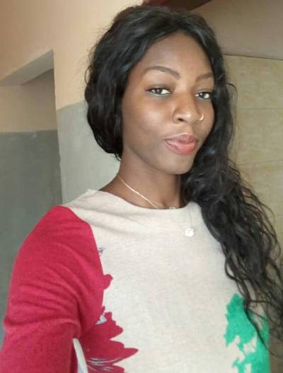 Bineta / 49 / Femme / Dakar, Dakar Region, Sénégal | asashopnm.com