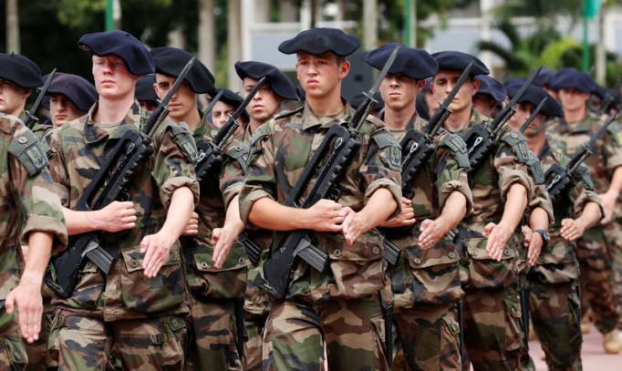 Rencontre homme militaire