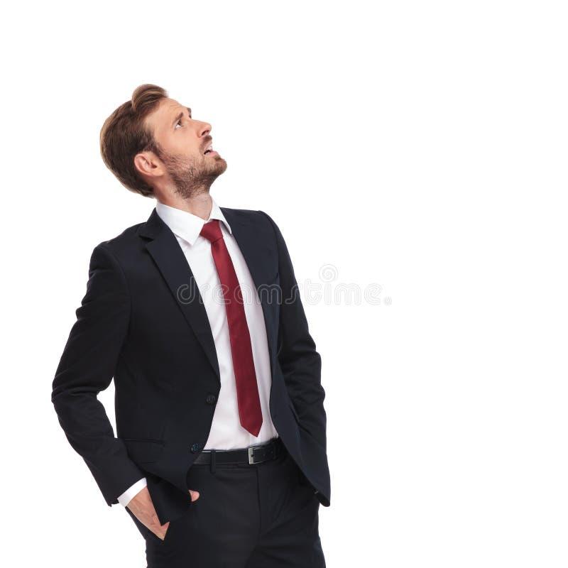 Homme d'affaires Europe cherche homme gay 18-19, c