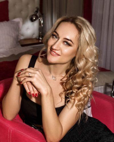 femme russe cherche travail